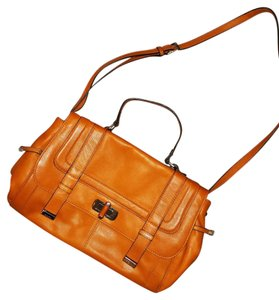 B. Makowsky Messenger Butterscotch Leather Professional Convertible Strap tan, butterscotch Messenger Bag