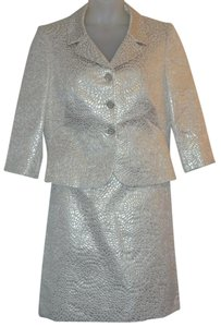 Tahari Embossed Metallic