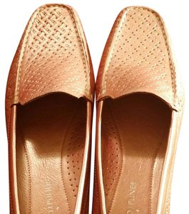 Donald J. Pliner Pearlized Punch Flats