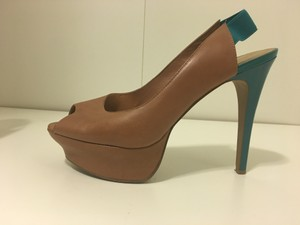 Jessica Simpson turquoise and brown Pumps