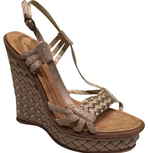 Bottega Veneta taupe Wedges
