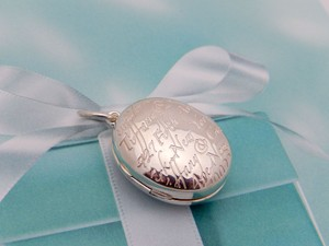 Tiffany & Co. Tiffany Oval Fifth 5th Avenue Notes Locket Charm in Sterling Silver