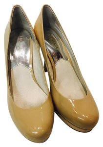 Michael Kors Heels. Patent Leather Nude Pumps