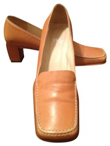 Fendi Heeled Loafers Loafers Made In Italy Square Toe Tan Pumps