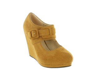 Red Circle Footwear Tan Wedges