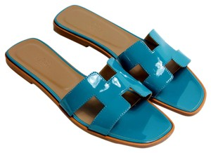 Herms Oran Leather Lagoon turquoise Sandals