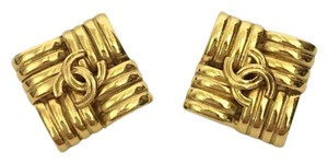 Chanel Authentic Chanel CC Gold Tone Clip On Earrings.