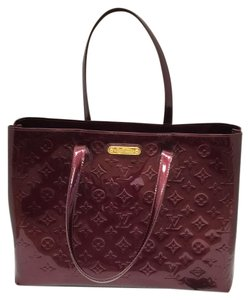 Louis Vuitton Tote in Rouge