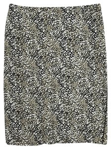Adrianna Papell Size 4 Skirt black, beige and white