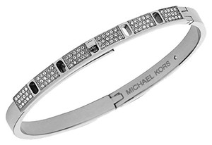 Michael Kors MKJ4014 Turnlock Bangle Women Bracelet Silver Tone Crystal Pave