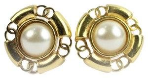 Chanel Pearl Earrings 90CCA730