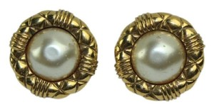 Chanel Matelasse Trim Faux Pearl Clip On Earrings CCJY38