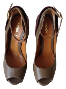 Fendi 2014 Fendi Olive Green & Burgundy Red Pumps