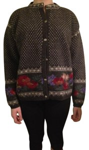 Icelandic Design Lined Wool Metallic Buttons Sweater