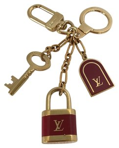 Louis Vuitton authentic Louis Vuitton keychain