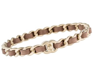 Chanel Gold tone Chanel interlocking CC chain link bangle