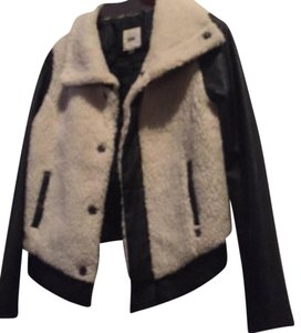 60b81d9f7c Vans black and cream shearling Leather Jacket - item med img