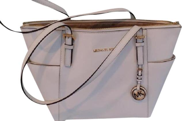 Item - White Leather Shoulder Bag