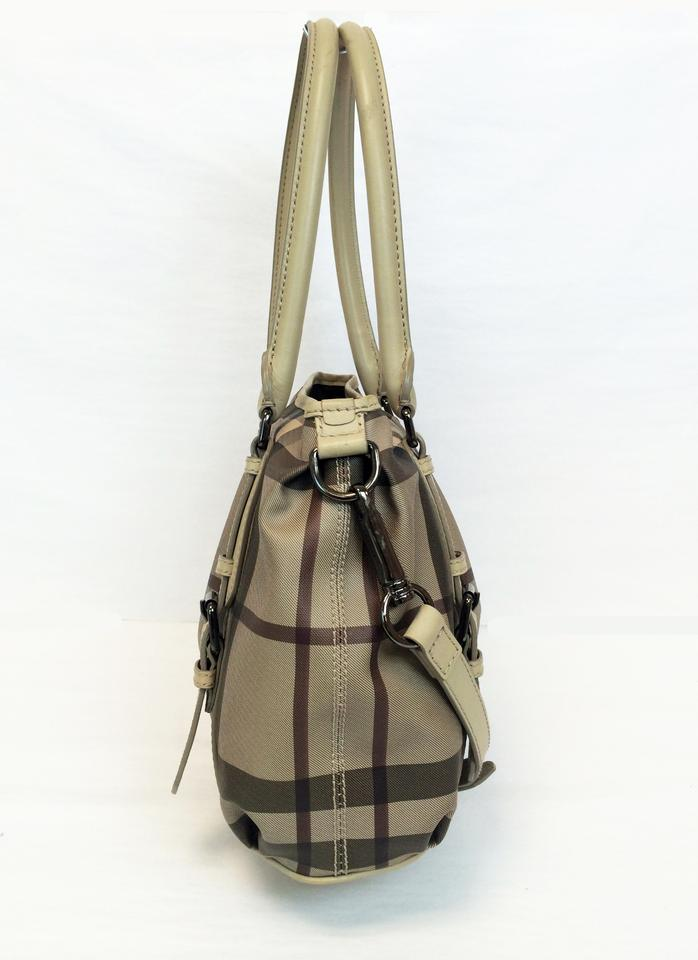 be74b03c9c80 Burberry Smoked Check Small Northfield Trench Tote in Beige Image 11.  123456789101112