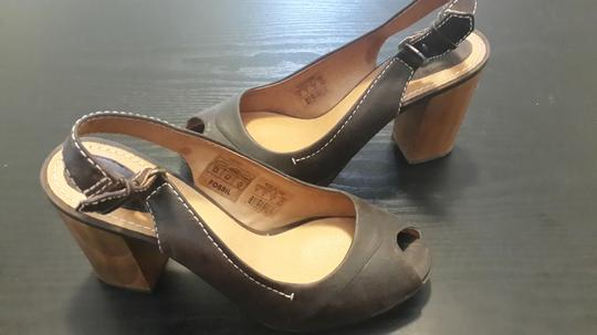 Fossil Leather Wood Open Toe Brown Pumps