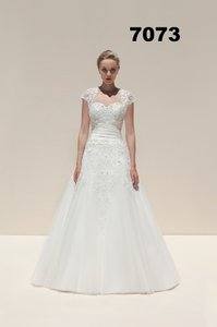 Mark Lesley 7073 Wedding Dress