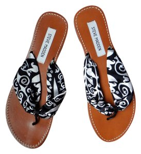 Steve Madden Black And White Silk Thong Sandals Resort Wear Black&White Flats