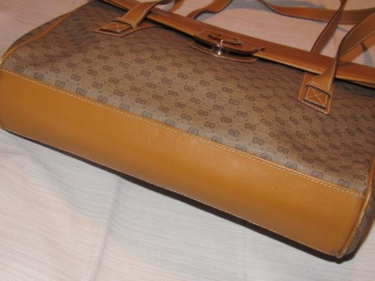 Gucci High-end Bohemian Xl Satchel/Tote Mint Vintage Rare Early Multiple Compartment Satchel in brown small G logo print coated canvas and camel leather Image 6