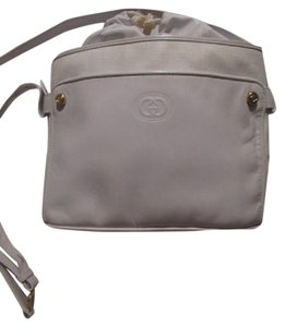 1da050914d3 Gucci Shoulder Cross Body Drawstring Top Mint Vintage Great Everyday Rare  Early Satchel in white