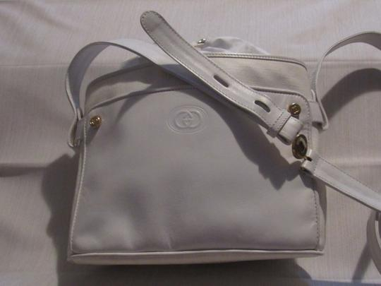 Gucci Shoulder/Cross Body Drawstring Top Mint Vintage Great Everyday Rare Early Satchel in white small G logo print on white coated canvas and white leather Image 2
