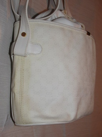 Gucci Shoulder/Cross Body Drawstring Top Mint Vintage Great Everyday Rare Early Satchel in white small G logo print on white coated canvas and white leather Image 9