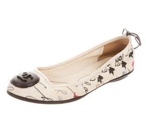 Chanel Embellished Monogram Round Toe Interlocking Cc Coco Ivory, Black, Blue Flats
