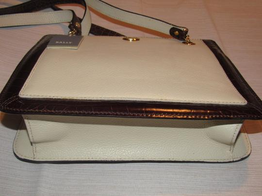 Bally Timeless Style New Mint /New Condition Multiple Compartment Leather/Crocodile Shoulder Bag Image 10