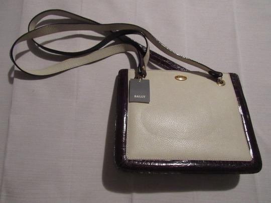 Bally Timeless Style New Mint /New Condition Multiple Compartment Leather/Crocodile Shoulder Bag Image 2