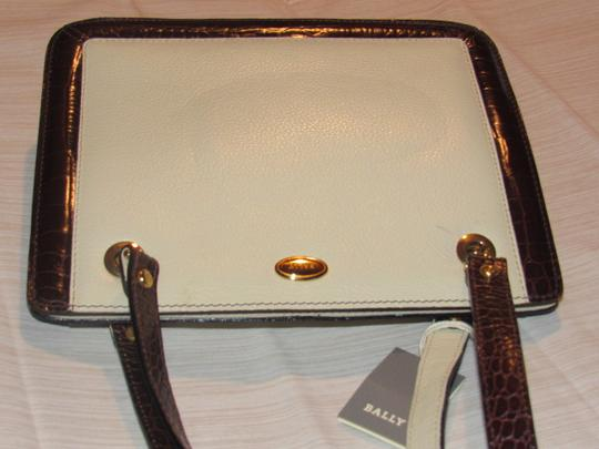 Bally Timeless Style New Mint /New Condition Multiple Compartment Leather/Crocodile Shoulder Bag Image 3