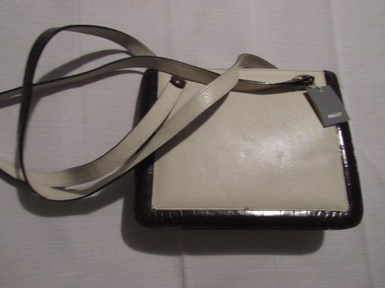 Bally Timeless Style New Mint /New Condition Multiple Compartment Leather/Crocodile Shoulder Bag Image 5