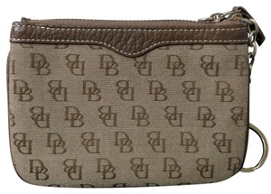 Dooney & Bourke Fabric wristlet wallet