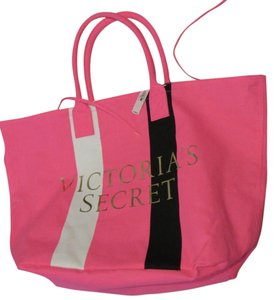 Victoria's Secret Beach Beach Beach Tote in pink white black stripe