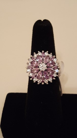 Other ** NWT ** 18K WHITE GOLD FLOWER RING Image 5