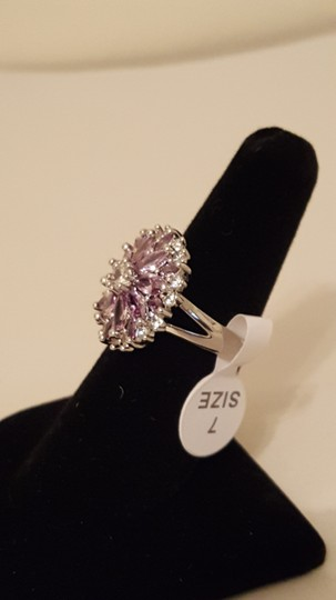 Other ** NWT ** 18K WHITE GOLD FLOWER RING Image 6