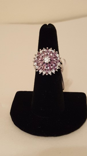 Other ** NWT ** 18K WHITE GOLD FLOWER RING Image 8