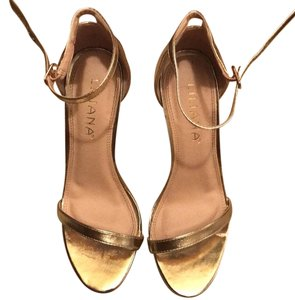 Liliana Gold Pumps