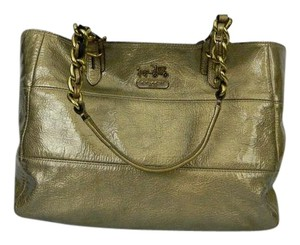 Coach Tote in Gold Metallic