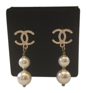 Chanel CHANEL NWT 2 FAUX PEARL DROP GOLDTONE POST EARRINGS ($550)