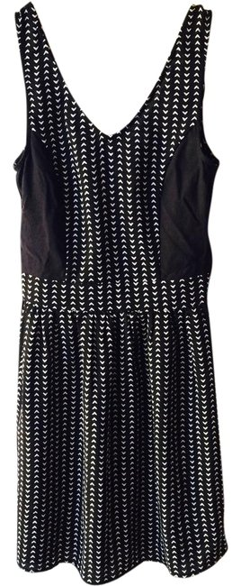 Preload https://img-static.tradesy.com/item/20466921/divided-by-h-and-m-casual-dress-short-0-1-650-650.jpg
