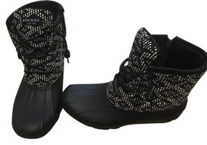 Sperry black and patterned Boots