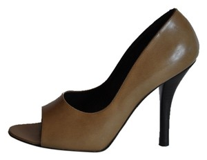 Gucci Leather Heel 4.25 Peep Toe Size 8 Brown Pumps