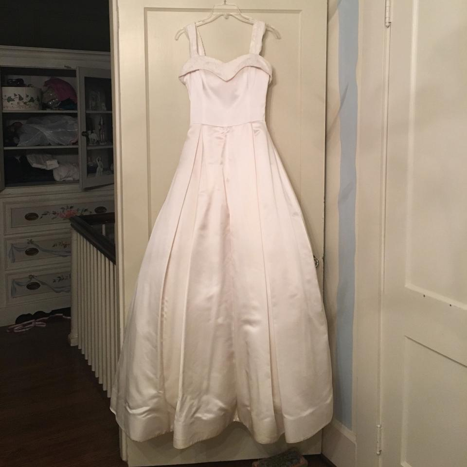 White Or Debutante Gown Formal Wedding Dress Size 2 (XS) - Tradesy