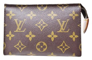 Louis Vuitton Pochette 15