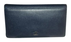 Chanel Caviar Skin Italy Dark blue Clutch
