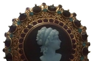 Joan Rivers Stunning New Large Cameo Joan Rivers Brooch